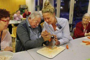 Fælles madlavning på plejehjem